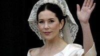 Plagiat atau tidak, namun gaun yang dikenakan Putri Mary dan Meghan Markle sama-sama indah. Foto: Sean Gallup/Getty Images