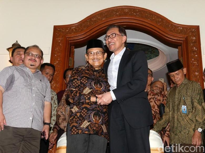 Anwar Ibrahim Puji Masa Reformasi di Pemerintahan Habibie