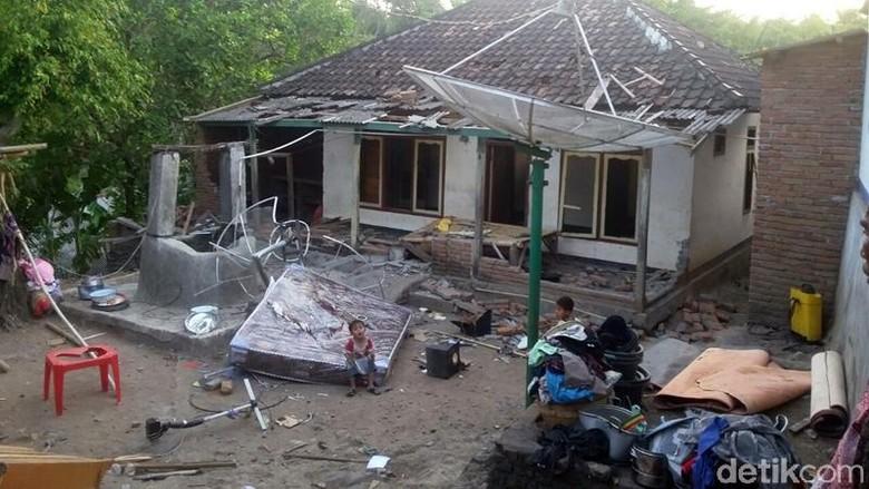 Ahmadiyah: Penyerang Ingin Ratakan Semua Rumah Jemaah