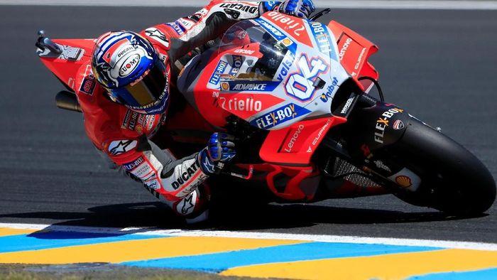 Start kelima di MotoGP Prancis, Andrea Dovizioso memprediksi duel dengan Marc Marquez dan Johann Zarco untuk jadi juara (REUTERS/Gonzalo Fuentes)