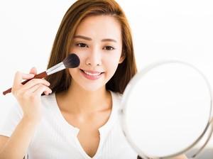 Tutorial Makeup di TikTok Ini Jadi Fenomena, Bikin Wajah Flawless Tanpa Cela