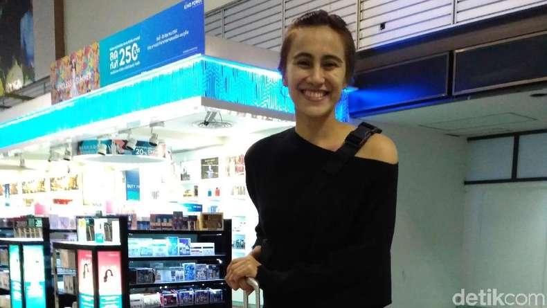 Bellaetrix Manuputty di Bangkok: Jalan-Jalan Sekaligus Nonton Piala Thomas-Uber