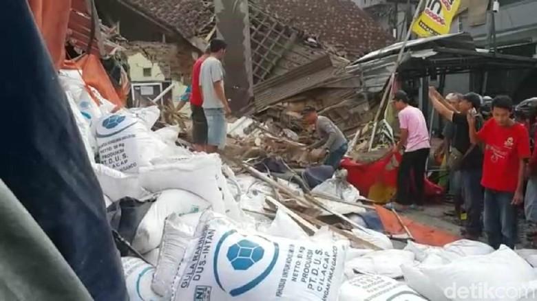 Kronologi Truk Rem Blong Tabrak Warga dan 7 Rumah di Brebes