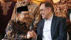 Bertemu Habibie, Anwar Ibrahim Kenang Masa Rerformasi Indonesia