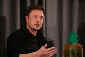 Elon Musk: Mobil Terbang Berbahaya, Bisa Penggal Orang