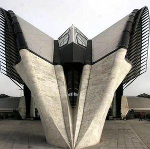 Mirip Pesawat Luar Angkasa hingga Kuil, Bangunan Ini Aslinya Stasiun (Bagian 2)