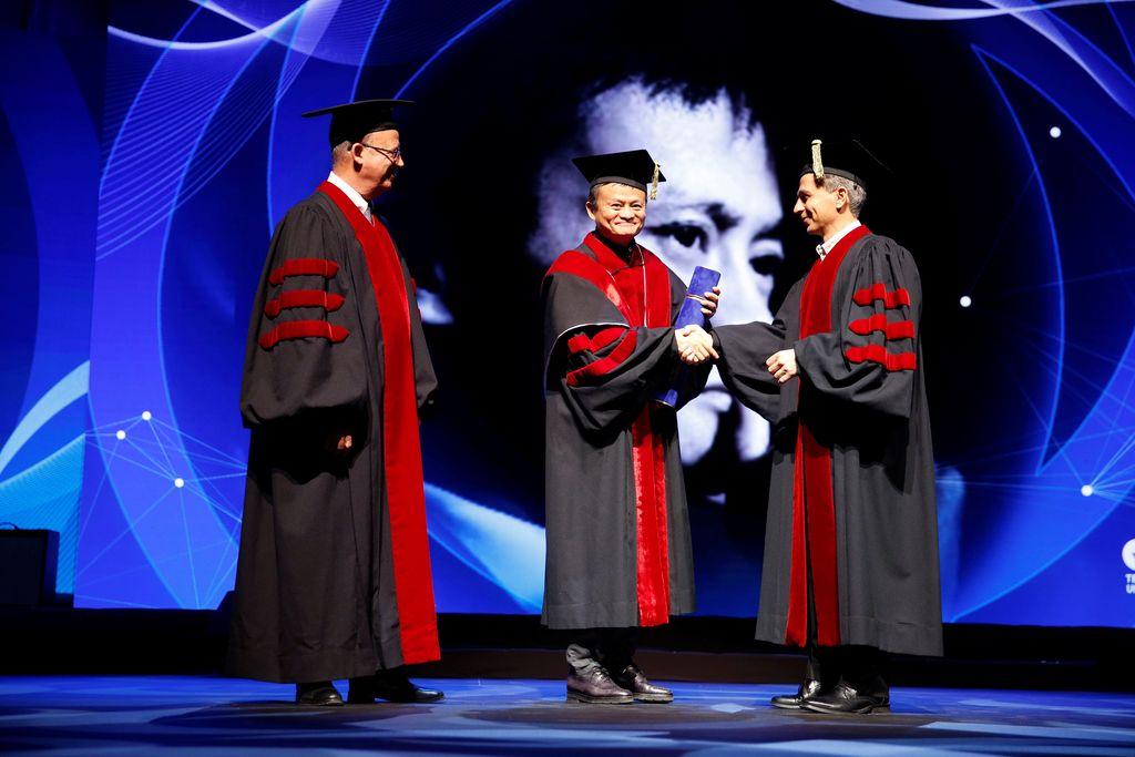 Pada awal Mei lalu, Jack Ma mendapat gelar kehormatan doktor honoris causa dari Tel Aviv University di Israel. Foto: Reuters