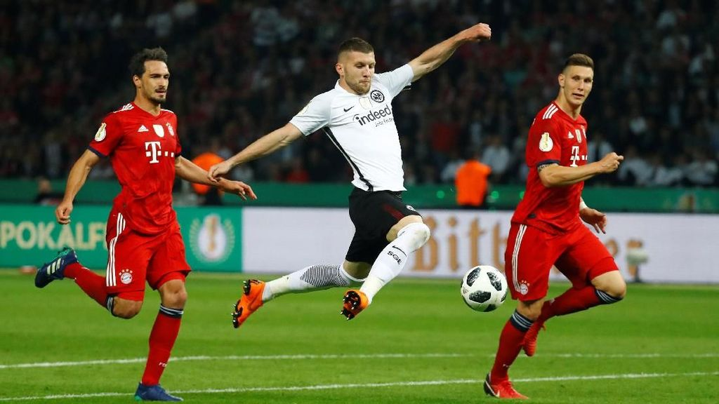 Kalahkan Bayern, Eintracht Frankfurt Juara DFB-Pokal