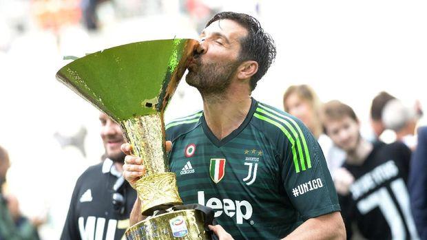 Buffon memiliki 17 tahun karier bersama Juventus.