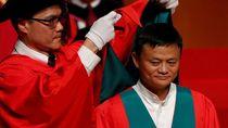 Mengintip Jack Ma Dua Kali Diwisuda dalam Sebulan
