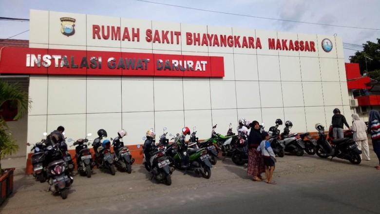 Polantas yang Ditabrak Oknum TNI Hingga Atap Mobil Dirawat di RS