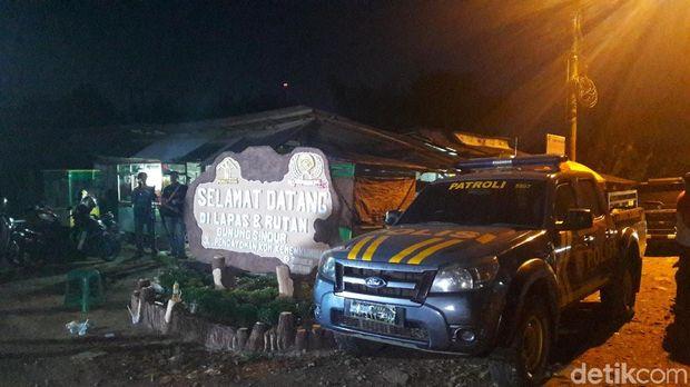 Diangkut 5 Bus, Tahanan Teroris Tiba di Lapas Gunungsindur