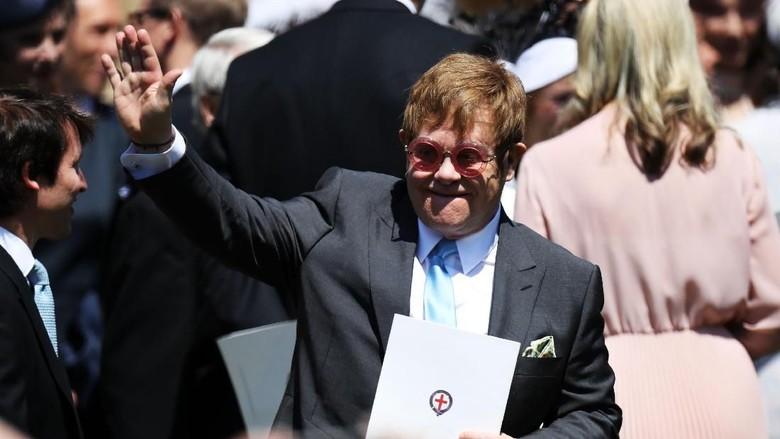 Kenang Ibunda, Harry Minta Elton John Tampil di Resepsi Pernikahannya