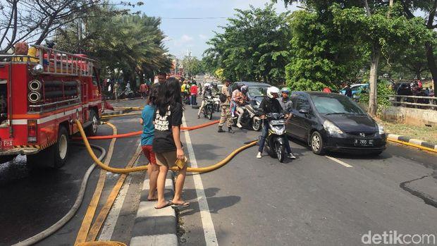 kebakaran di Pondok Bambu, Jakarta Timur, Senin (21/5/2018)