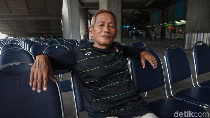 Chalid Magath Umar, mantan wasit nasional apes di Bangkok. (Okdwitya Karina Sari/detikSport)