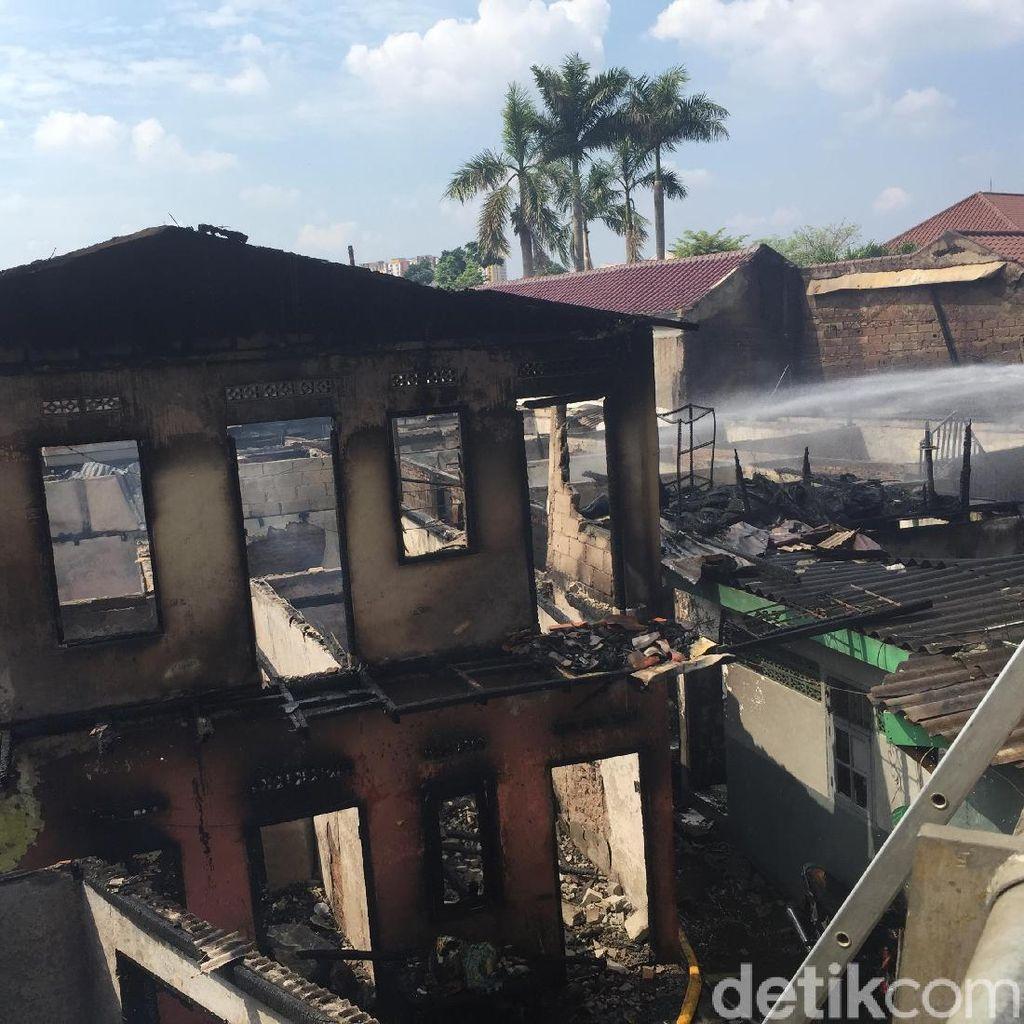 Kebakaran di Cipinang Muara, Jalan Arah Klender Ditutup