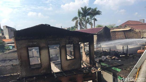 Kebakaran di permukiman Cipinang Muara, Jatinegara, Jakarta Timur, Senin (21/5/2018)