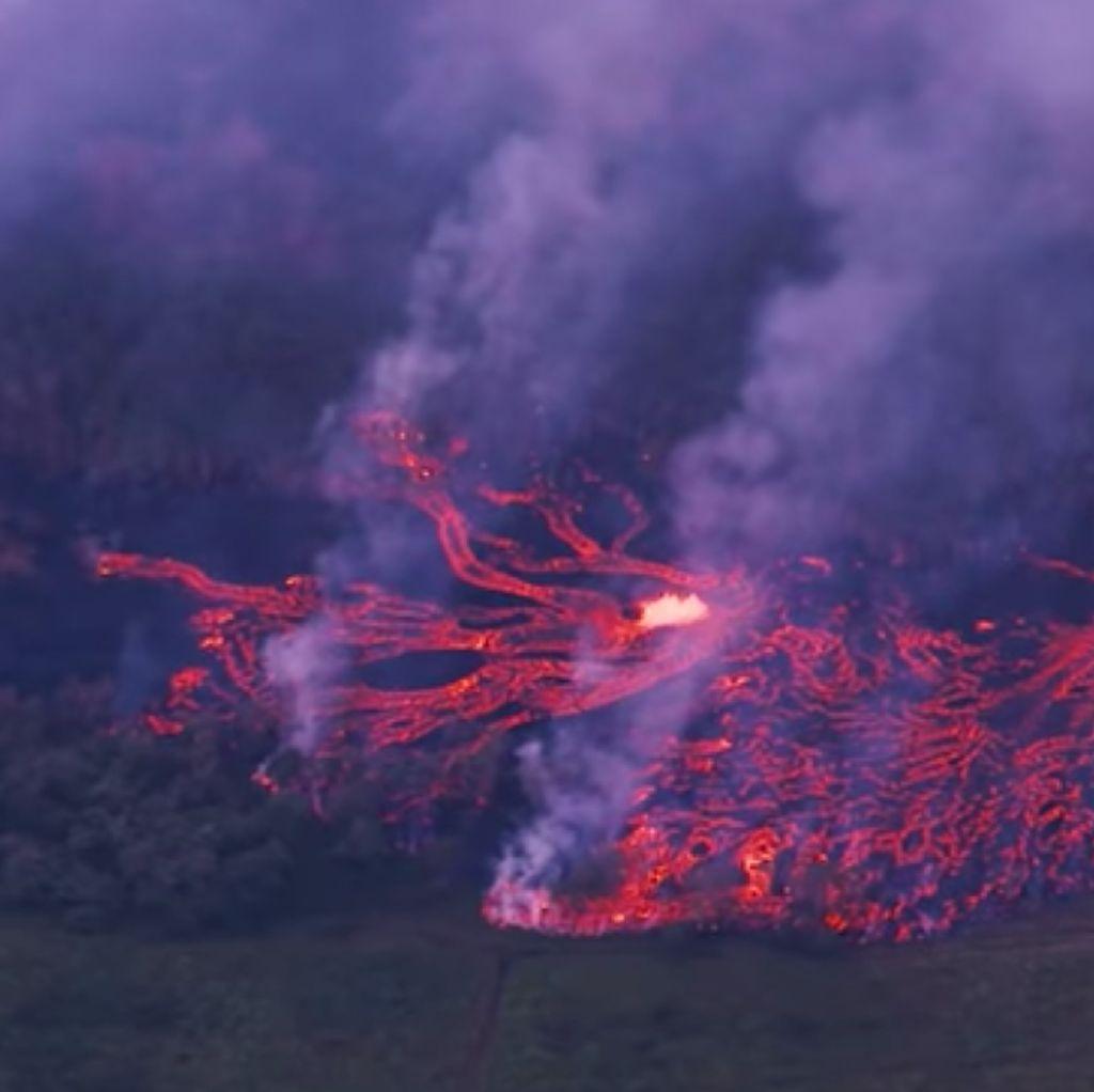 Ngeri! Penampakan Lava Gunung Kilauea dari Ketinggian