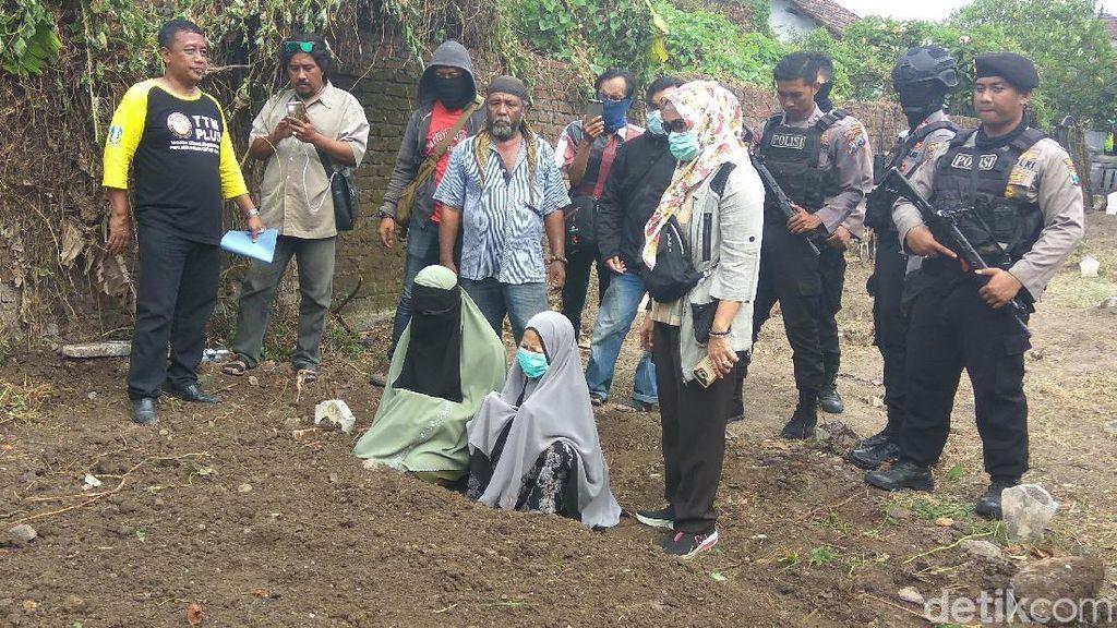 Hanya Satu Keluarga Hadiri Pemakaman Terduga Teroris di Sidoarjo