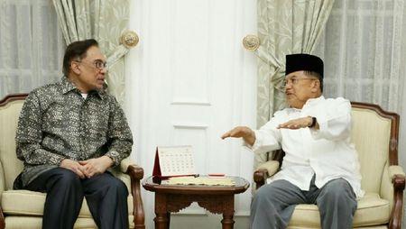 Foto: Pertemuan JK dan Anwar Ibrahim yang Penuh Keakraban