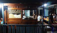 Bakso Yanto: Aduk Enaknya! Gurih Kenyal Bakso dari Kedai Bakso Berusia 44 Tahun