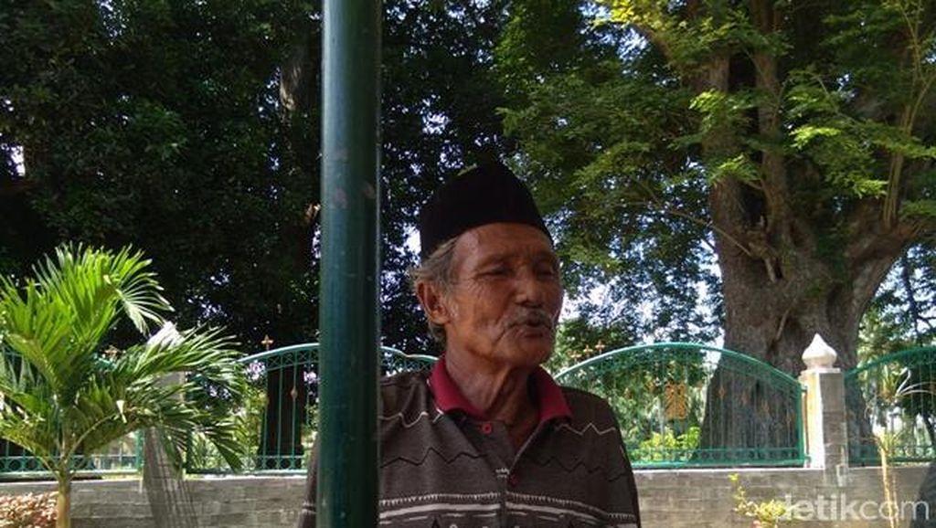 Kisah Juru Kunci Makam Raja Islam Pertama di Nusantara