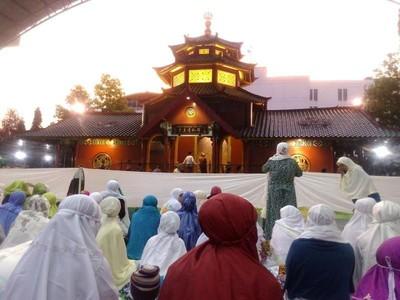 Ngabuburit Belajar Sejarah Islam dari China di Masjid Cheng Ho