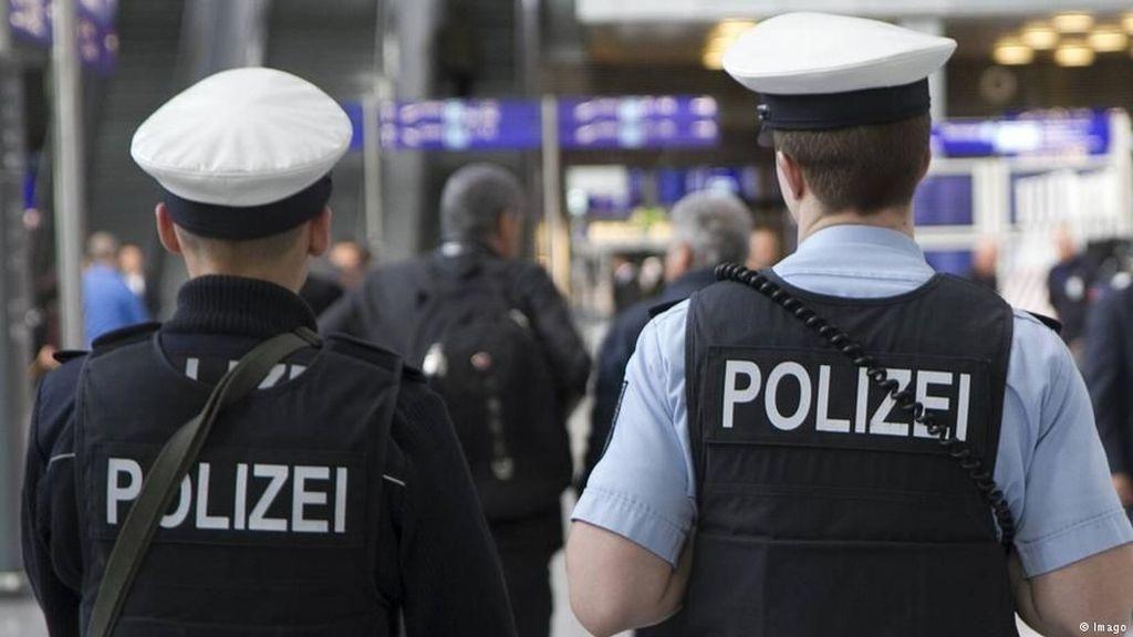 Razia Anak Bolos Sekolah di Bandara Jerman