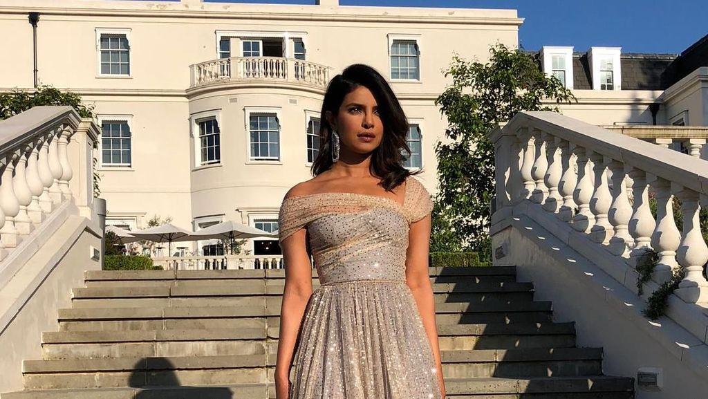 Foto: Priyanka Chopra Bak Princess di Resepsi Pernikahan Pangeran Harry