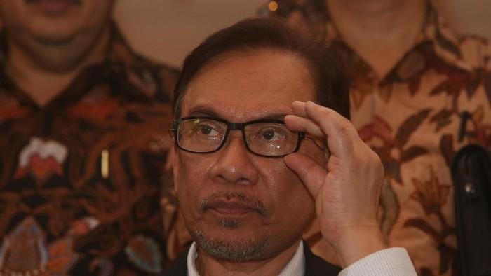 blak-blakan Anwar Ibrahim