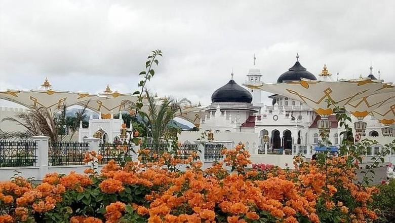 Masjid Raya Baiturrahman di Banda Aceh (Zulfan Ariansyah/dTraveler)