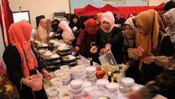 Gelar Buka Bareng WNI, KJRI Jeddah Sajikan Jajanan Khas Indonesia
