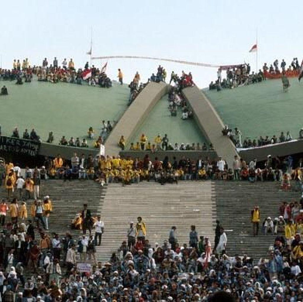 20 Tahun Reformasi, Menarik Benang Esensi Gerakan Mahasiswa