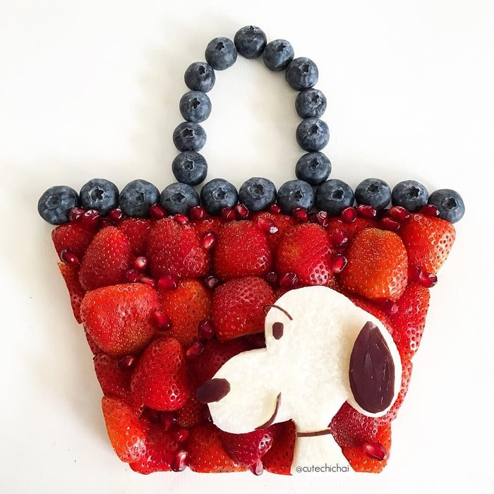 Tas yang satu ini dijamin segar dimulut. Jelas saja, karena terbuat dari buah strawberry, blueberry, buah delima hingga kurma. Yummy!Foto: Instagram @cutechichai