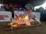 20 Tahun Reformasi, Mahasiswa Bakar Keranda di Makassar