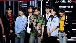 Selamat! BTS dan ARMY Menang di Teen Choice Awards 2018