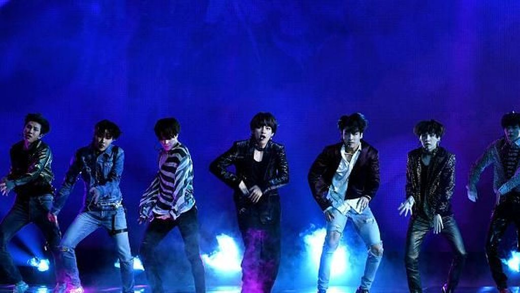 Kejutan! BTS Rilis Video Latihan Dance Fake Love