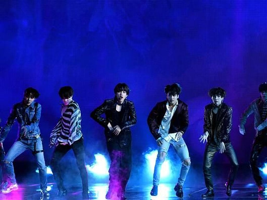 Begini Jadinya Jika Fake Love Milik BTS Dicover YouTuber 29 Negara