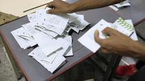 Foto: Pemilu Digelar, Rakyat Venezuela Berikan Suara