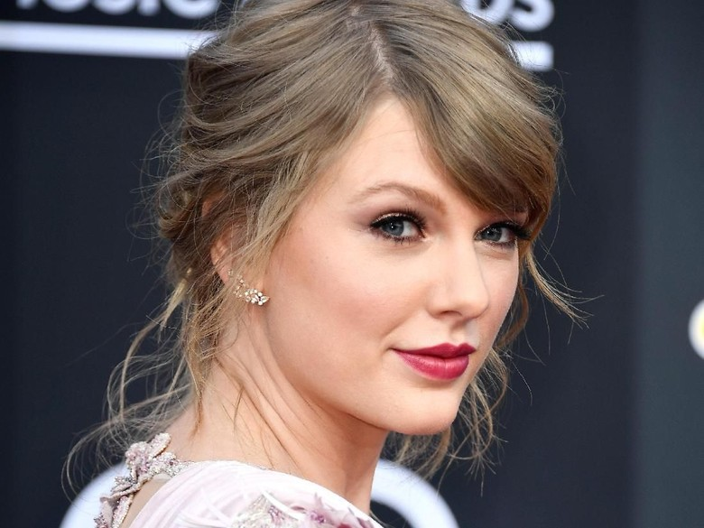 Kontrak Segera Berakhir, Taylor Swift dan Label Belum Temui Kata Sepakat