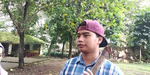 Pelempar Rokok ke Orang Utan Dihukum Menyapu Bunbin Bandung