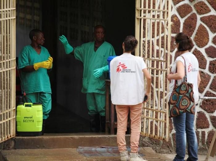 Suasana fasilitas isolasi pasien Ebola di Kongo. (Foto: Reuters)