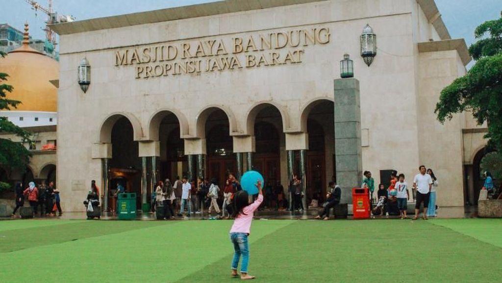 Serunya Menunggu Berbuka Puasa di Pusat Kota Bandung