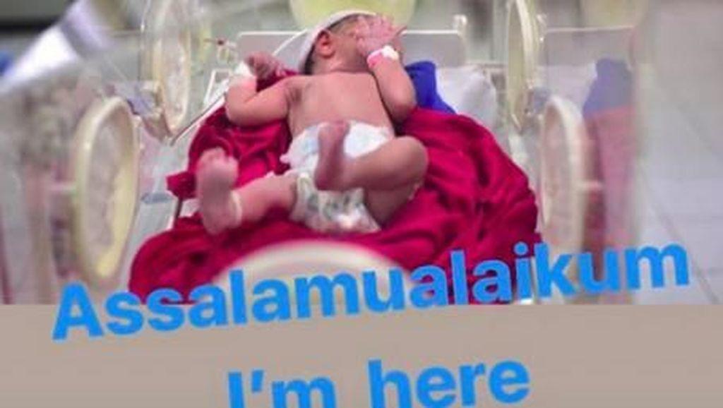 Fairuz A Rafiq Senang Putrinya Mirip Sonny Septian