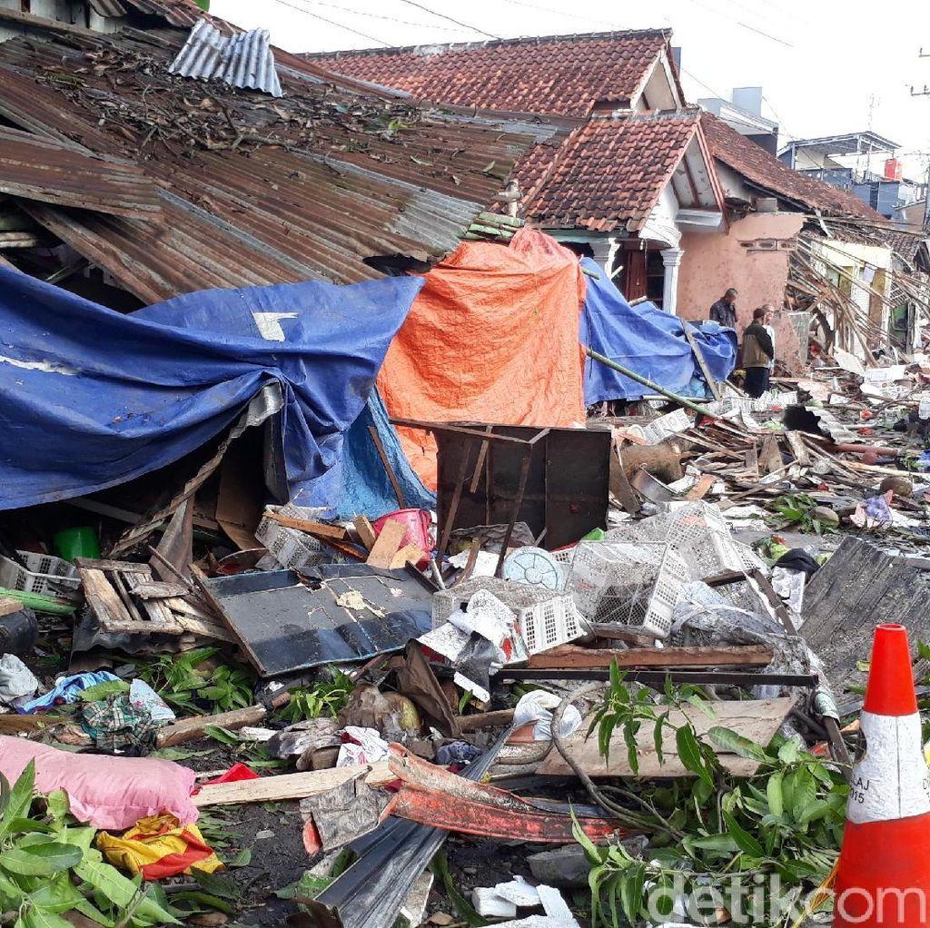 Bupati Brebes: Pemilik Usaha Harus Ganti Rugi Rumah Ditabrak Truk