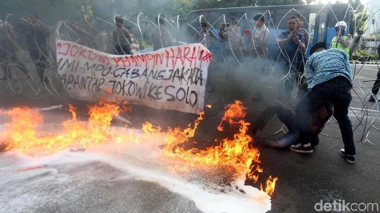 Demo HMI di Depan Istana Ricuh, 7 Orang Luka