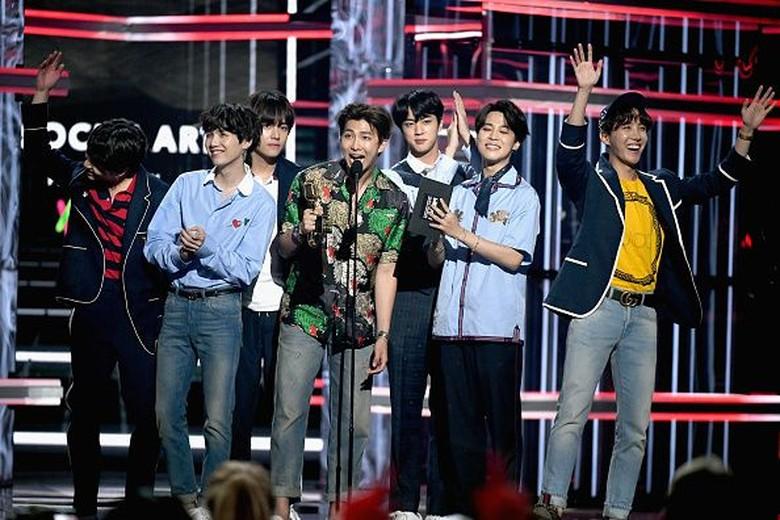 BTS Menang Favorite Social Artist di AMA 2018  Foto: Getty Images