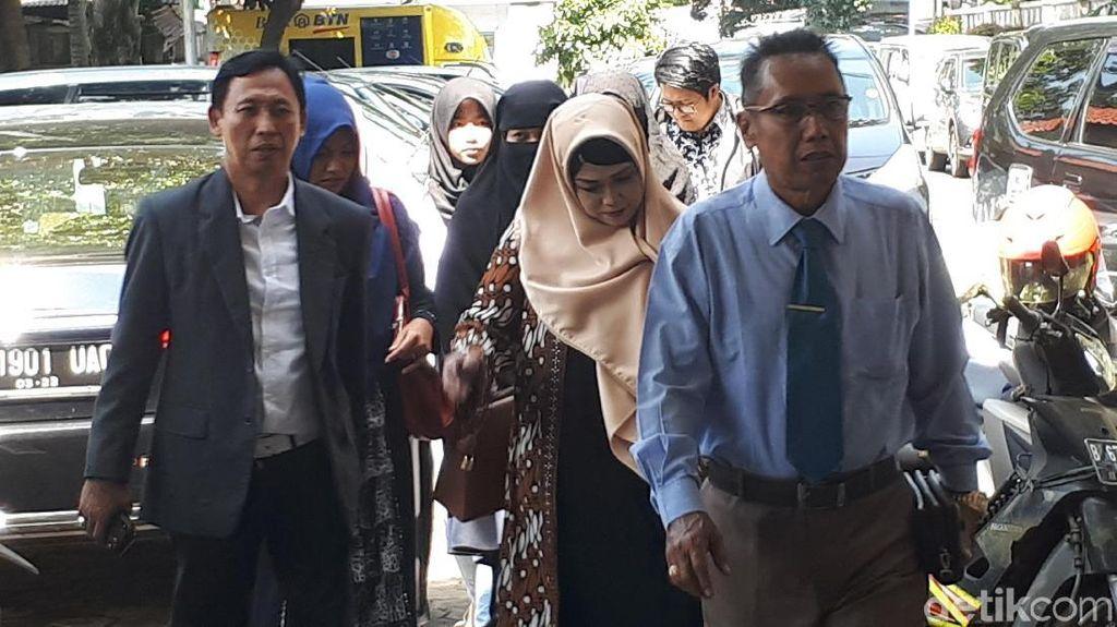 Dian Rositaningrum Merasa Bersalah Ghania Ikut ke Pengadilan