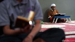 WiFi di Masjid Bantu Iktikaf Lebih Khusyuk, Kok Bisa?
