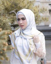 Ini Jenis Hijab yang Akan Kamu Temukan di Mana-mana Saat Lebaran